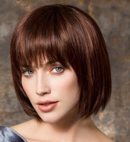 CHANGE is a softly angled classic bob by Ellen Wille.